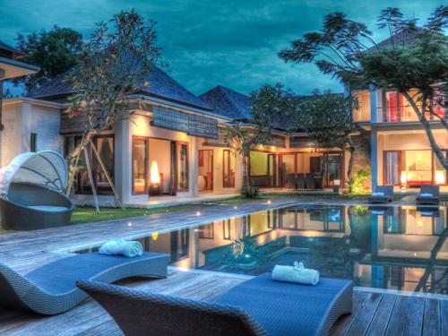 Bali Villa Pool Party